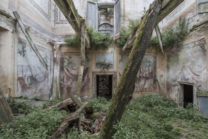 Заброшенные дворцы Европы - №5