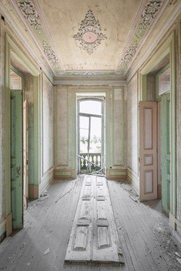 Заброшенные дворцы Европы - №14