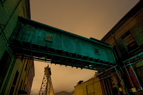 Ночные фотографии заброшенного Запада - №8