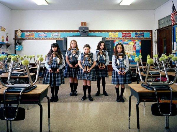 Девочки и куклы в милых детских фото - №3
