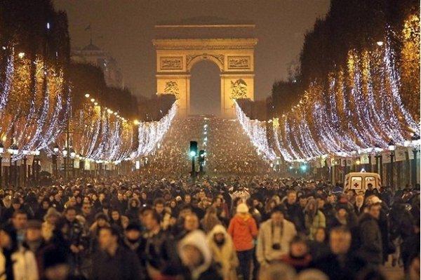 Празднование Нового Года - красивые фото из разных стран - №4