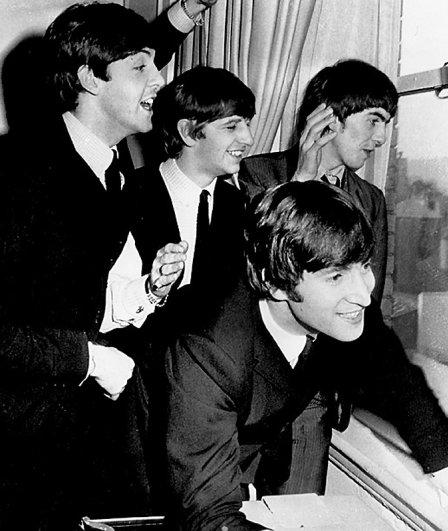 Новости в фотографиях - подборка в память о Джоне Ленноне - №2