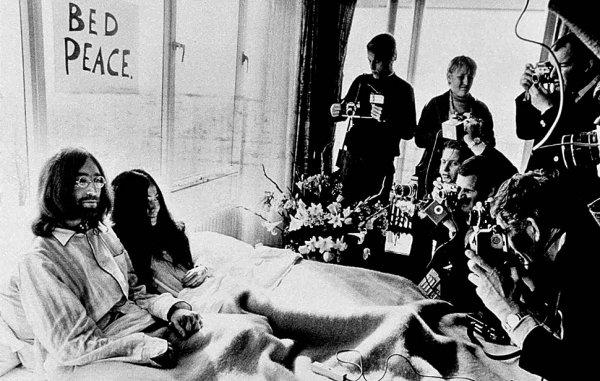 Новости в фотографиях - подборка в память о Джоне Ленноне - №10