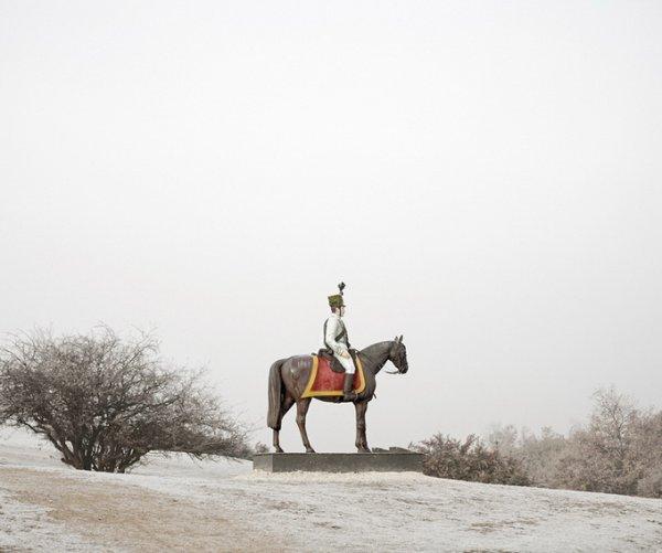 Граница между документальным и художественным фото. Tamas Dezso - №18