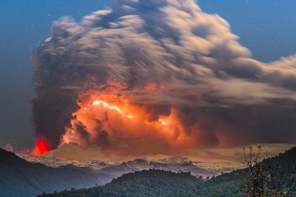 Лучшие фото кадры извержения вулканов мира - №2