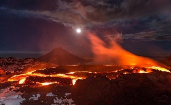 Лучшие фото кадры извержения вулканов мира - №10