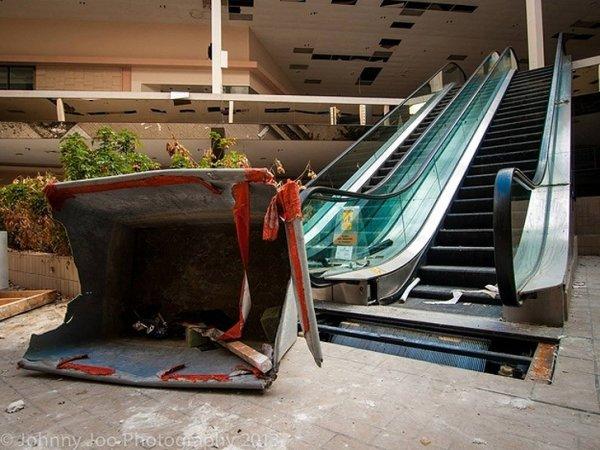 Заброшенные здания - бывшие мегамоллы США - №9