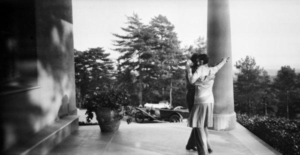Жак-Анри Лартиг. Биби у доктора Букара. Робинсон, октябрь 1926. © Ministère de la Culture-France/AAJHL