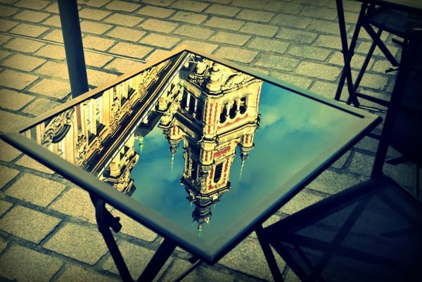 фото зеркальное отражение