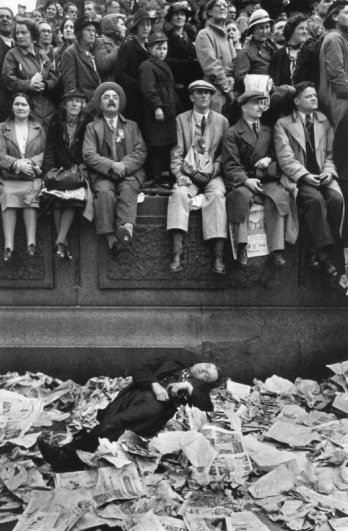 Трафальгарская площадь в день коронации Георга VI, Лондон, Великобритания, 1937 г. Уличные фото