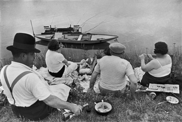 На берегах Марны, 1938 г. Уличные фото