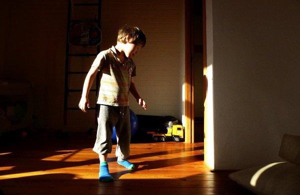 Игра в тени
