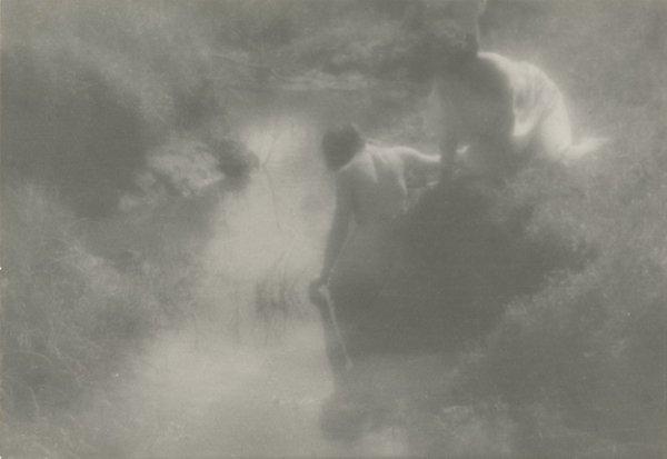 Юрий Еремин. В ручейке. 1920. Авторский серебряно-желатиновый отпечаток. Коллекция Алекса Лахмана
